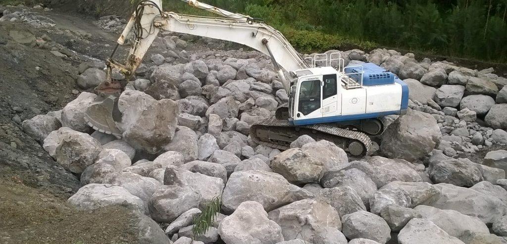 01_rocs_terrassement_enrochement-ravine-roche-a-jacquot
