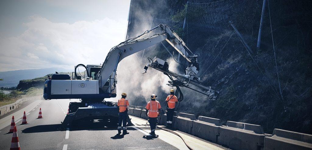 08_rocs_travaux-publics_ile-de-la-Reunion_terrassement-en-accès-difficiles