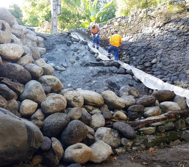Travaux d'urgence sur la ravine Sèche suite au passage de FAKIR